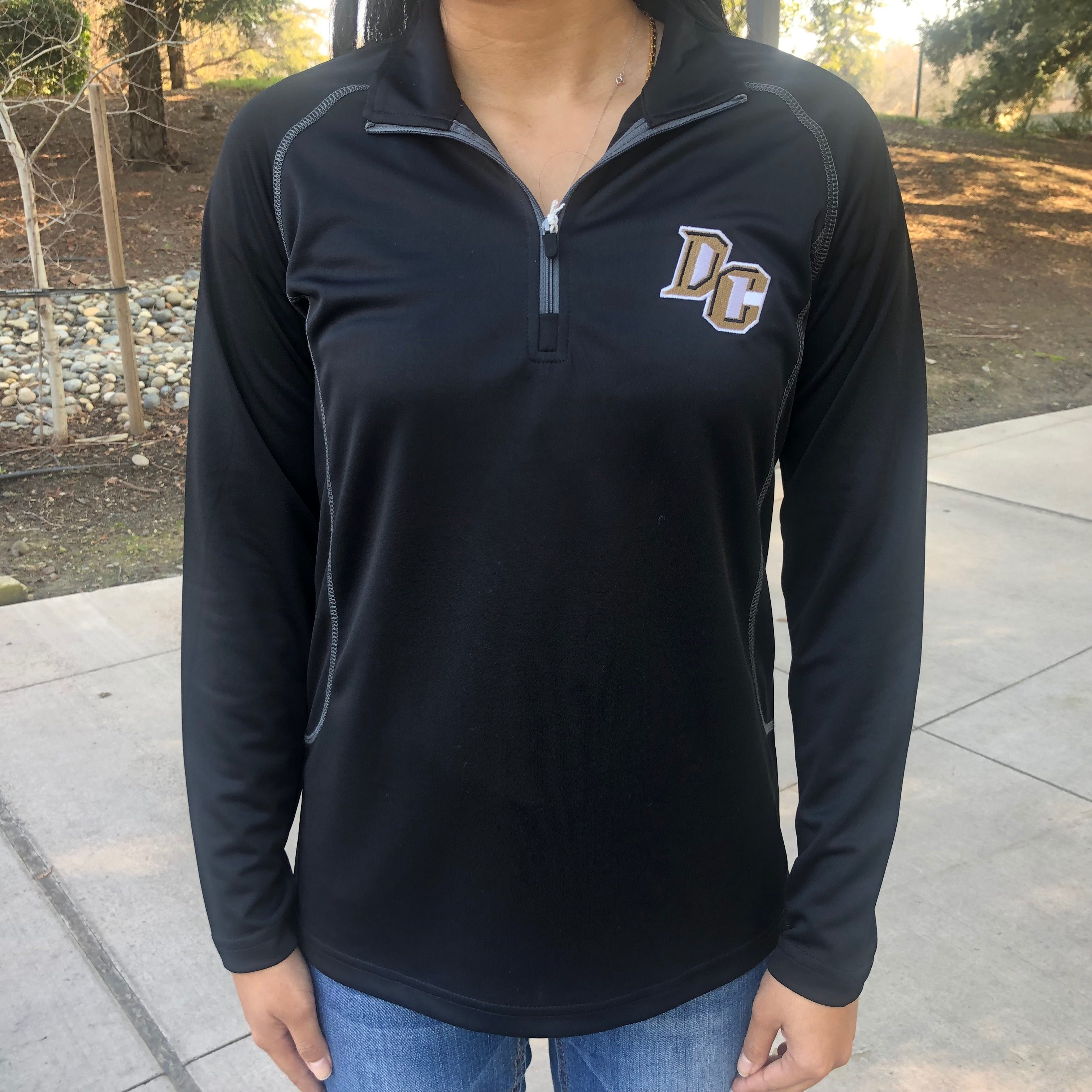 Image For BLACK WOMENS PERFORMANCE 1/4 ZIP